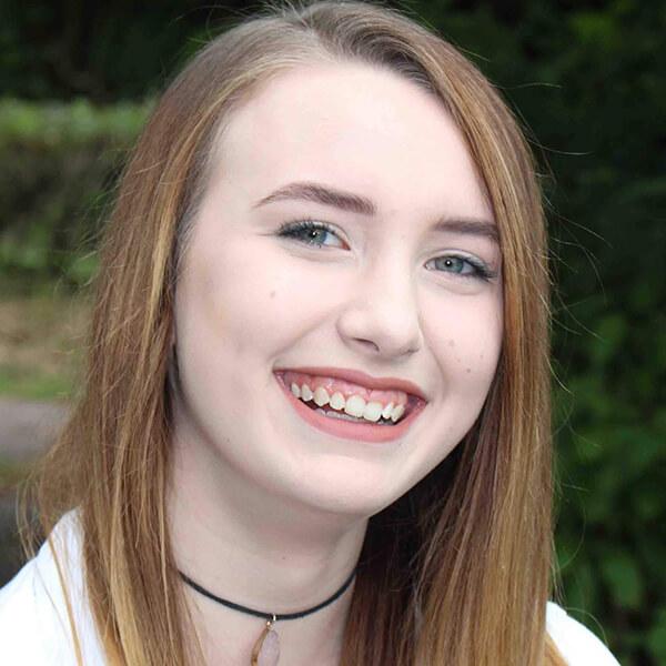 Arts1 Team - Libby Hewett, Voice & Singing